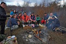 Празнуване на етрополци в местността Камичето
