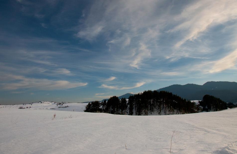 Зимни гледки край Равногор