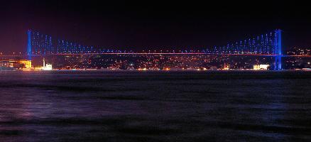 Истанбул, мостът над Босфора