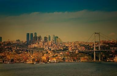 Истанбул, Мостът Ататюрк