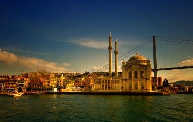 Istanbul, Джамията Ортакьой